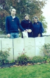 BARKER EDMUND (Gwen Parker, Edward's niece, visiting the grave in October 2010, together with her son Christian and daughter Catherine)