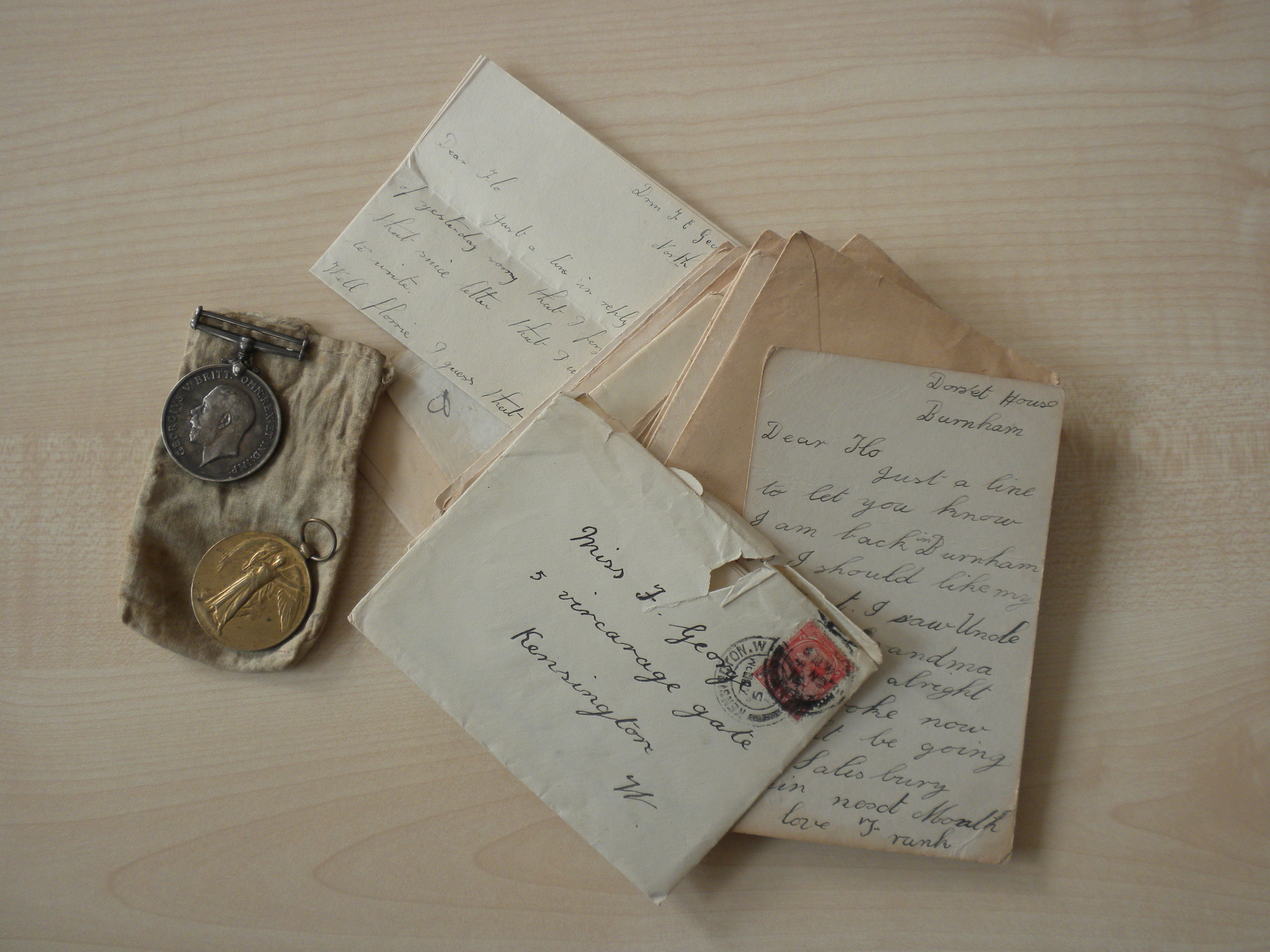 medals and letters from Frank George, buried in Lijssenthoek