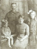 Baigent TG (1916 family portrait from left to right Marjorie,Thomas, Beatrice and Dorothy